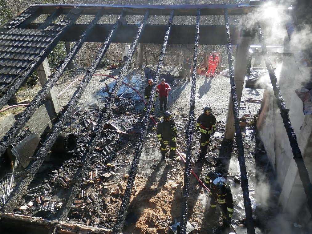 Cantalupa. Incendio in un'abitazione, provvidenziale l'intervento dei vigili del fuoco