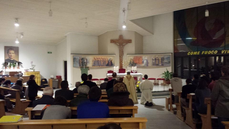 Nella parrocchia Spirito Santo di Pinerolo l'adorazione eucaristica