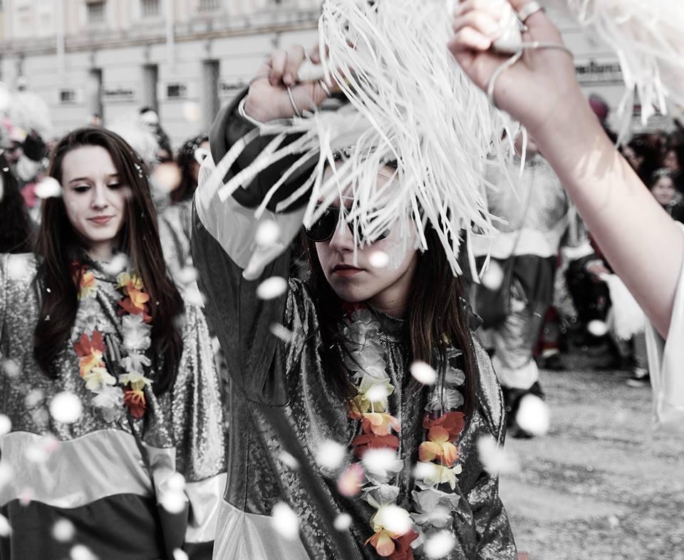 [Photogallery] La sfilata dei carri di Carnevale a Pinerolo