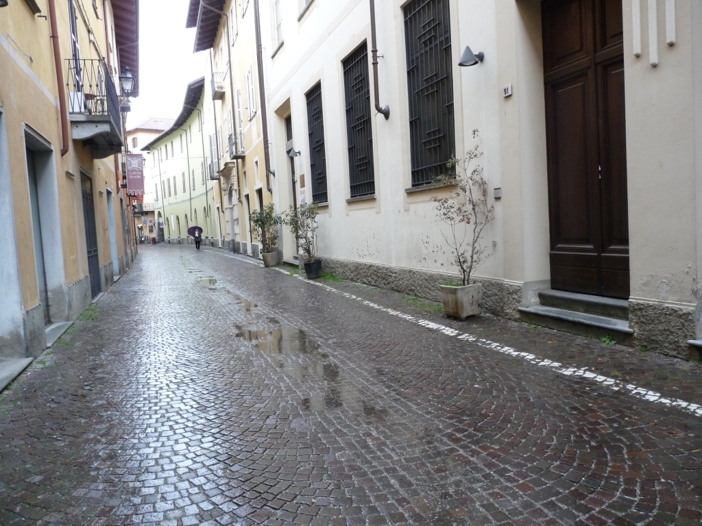 Curioso furto di fronte al Museo Diocesano di Pinerolo