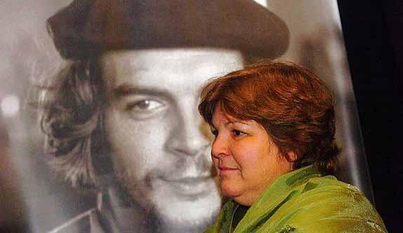 Torna a Pinerolo, dopo 10 anni, la figlia di Che Guevara