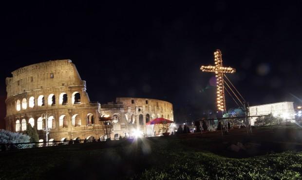 Il vescovo emerito di Novara ha preparato i testi della Via Crucis per il Papa