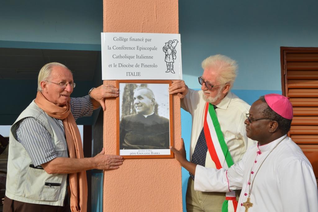 L'Africa va a scuola con don Barra