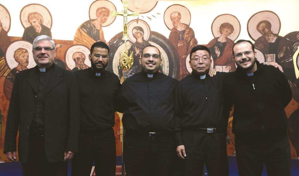 Questa sera nella cattedrale di Pinerolo il vescovo ordina 5 nuovi sacerdoti