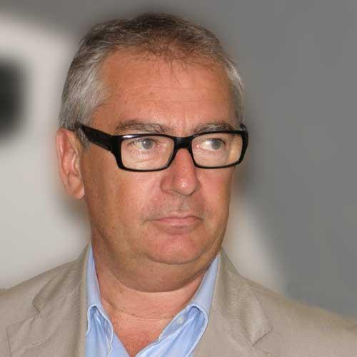 Flavio Boraso, indagato per turbativa d'asta, è stato confermato alla direzione dell'Asl To3. Dure le critiche del M5S