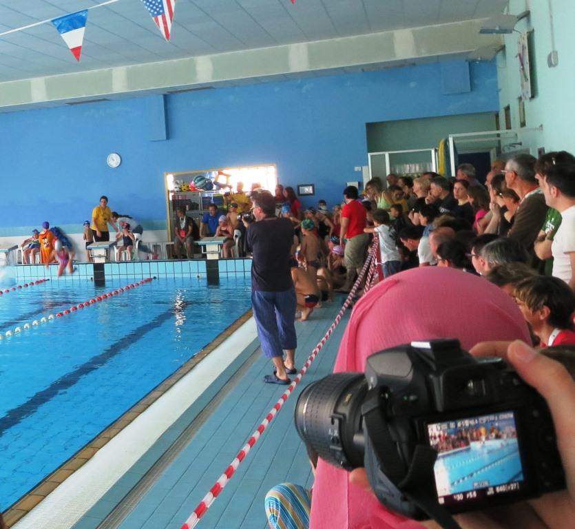 """[ photogallery ] Il nuoto apre la XX edizione dei """"Mini giochi olimpici di Valle"""""""