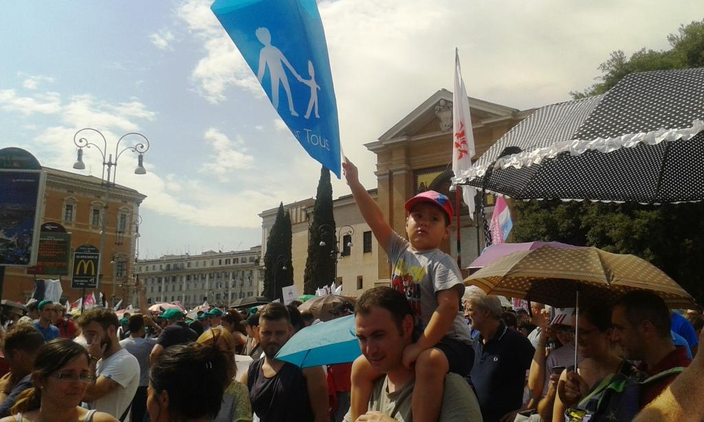 """Lo scorso sabato piazza san giovanni a Roma ha ospitato la manifestazione """"Difendiamo i nostri figli"""""""