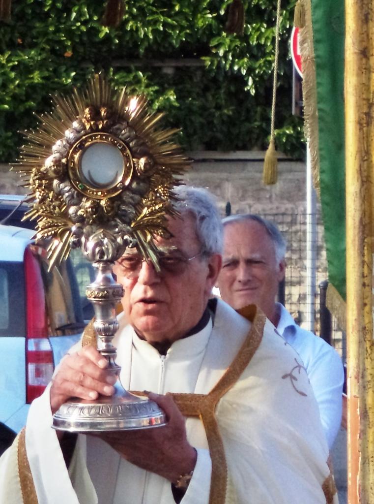 [ photogallery ] Processione del Corpus Domini a Roletto