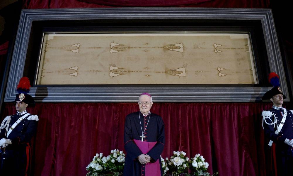 #Sindone2015: quasi 3 milioni di pellegrini, un milione di euro donato a Papa Francesco