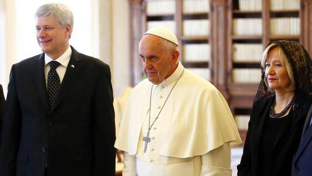 Il primo ministro canadese Harper in udienza da Papa Francesco