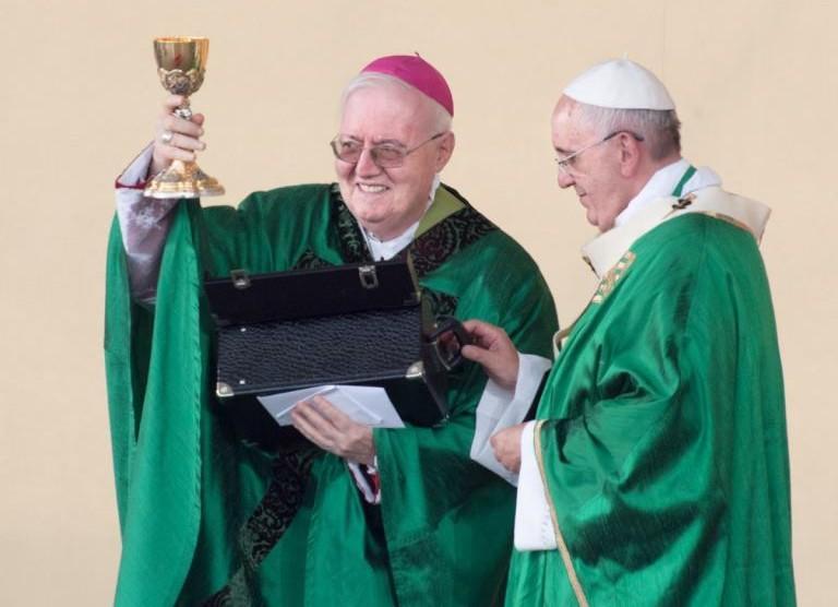"""Le """"case dell' amore più grande"""". Il regalo di papa Francesco ai poveri di Torino"""