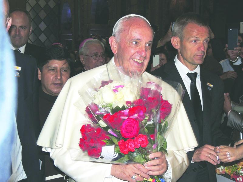 Il pinerolese Gianni Piccato testimone della visita del papa in Ecuador