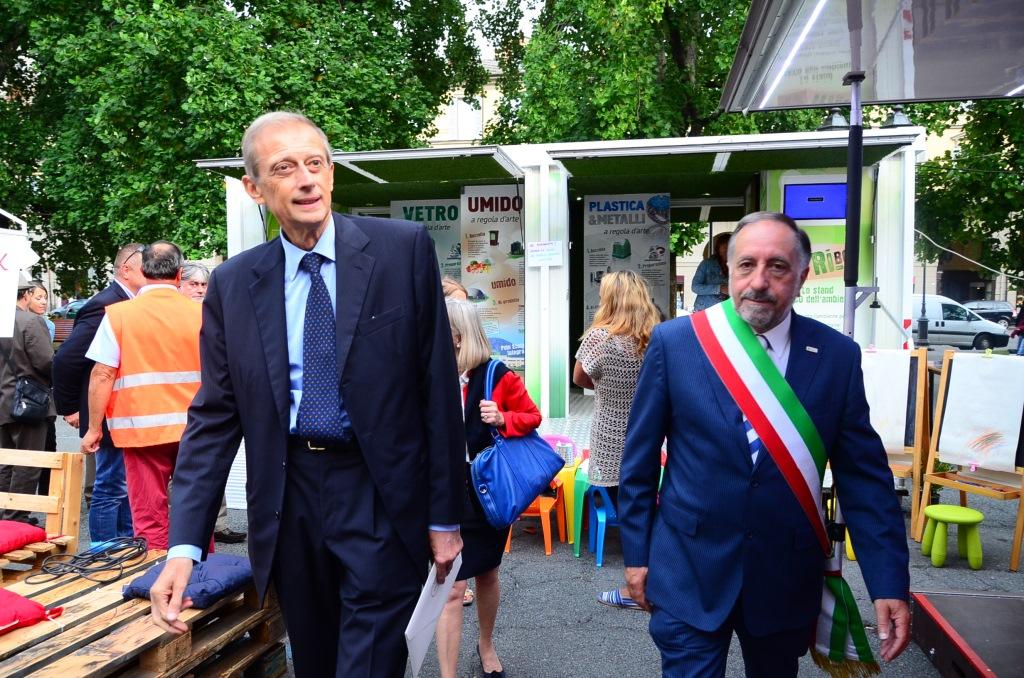 [ Photogallery ] Piero Fassino ha inaugurato la 39° edizione dell'Artigianato Pinerolese