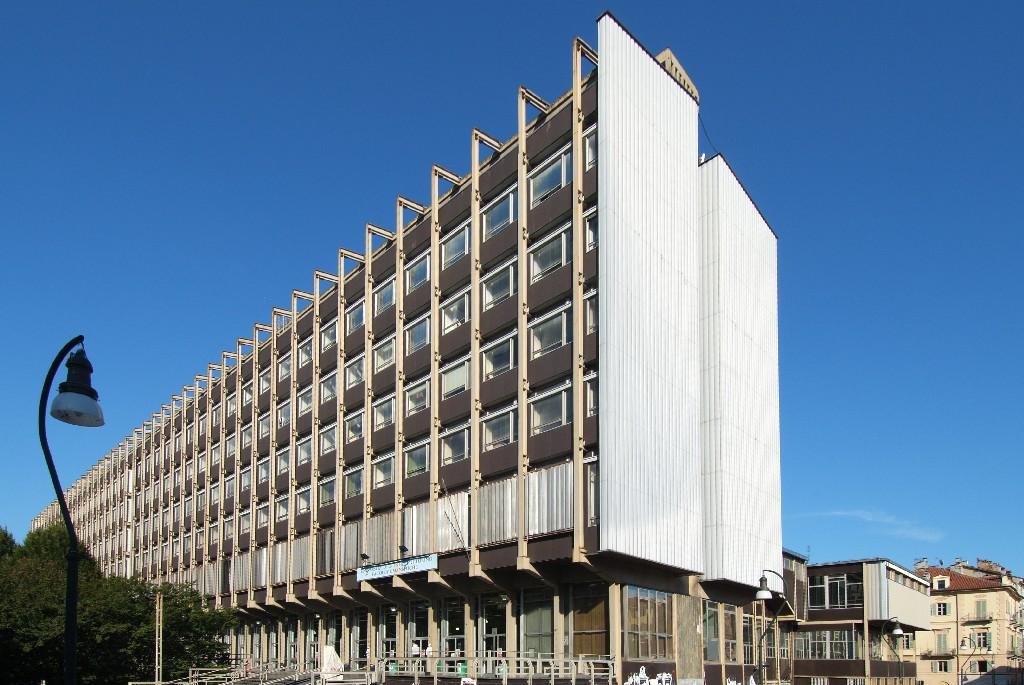 Torino. Amianto a Palazzo Nuovo, ancora rinviata apertura del 2° piano