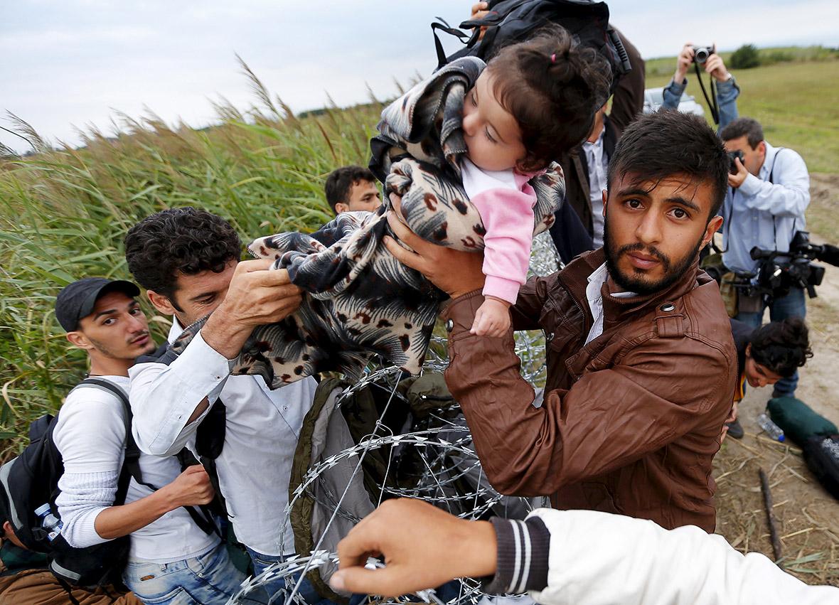 I vescovi di Piemonte e Valle d'Aosta richiamano all'accoglienza profughi