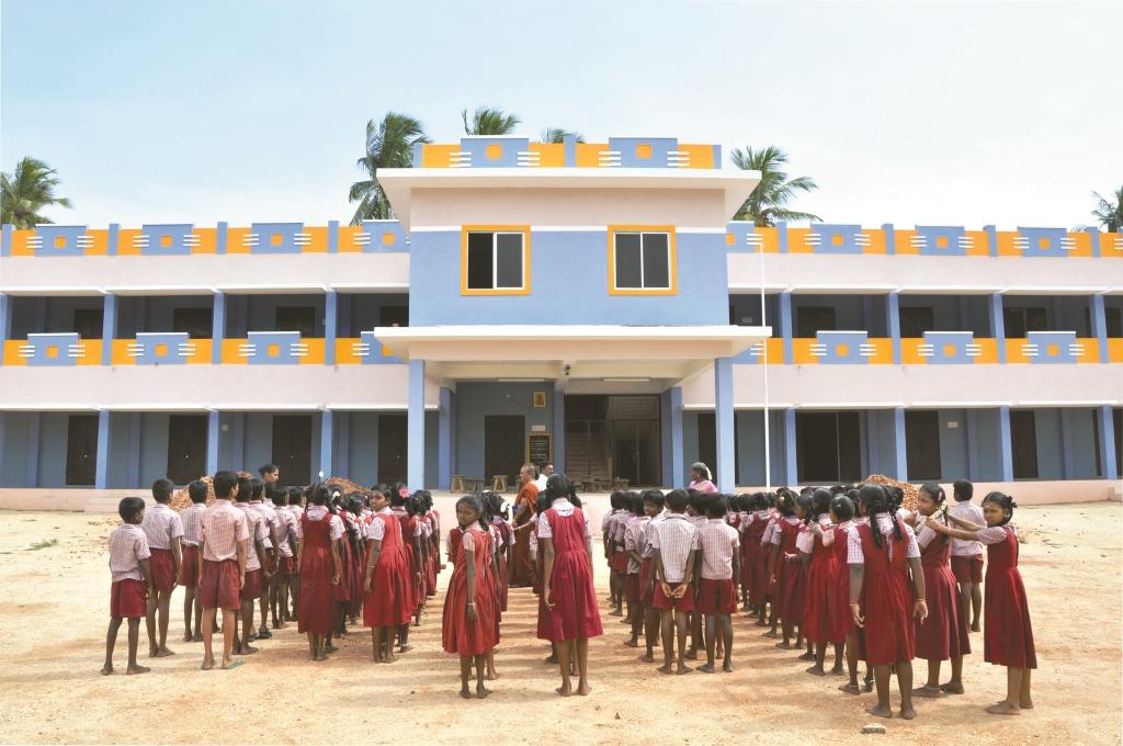 Il vescovo di Kumbakonam racconta l'India che vuole andare a scuola