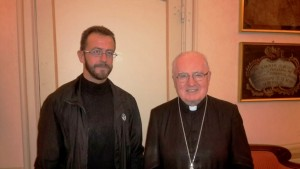 A sinistra don Popolla con il vescovo di Pinerolo Debernardi