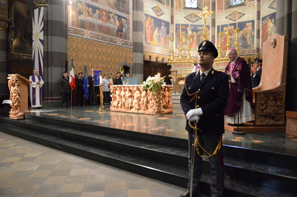 [Photogallery] Messa di Natale per i militari e le forze dell'ordine