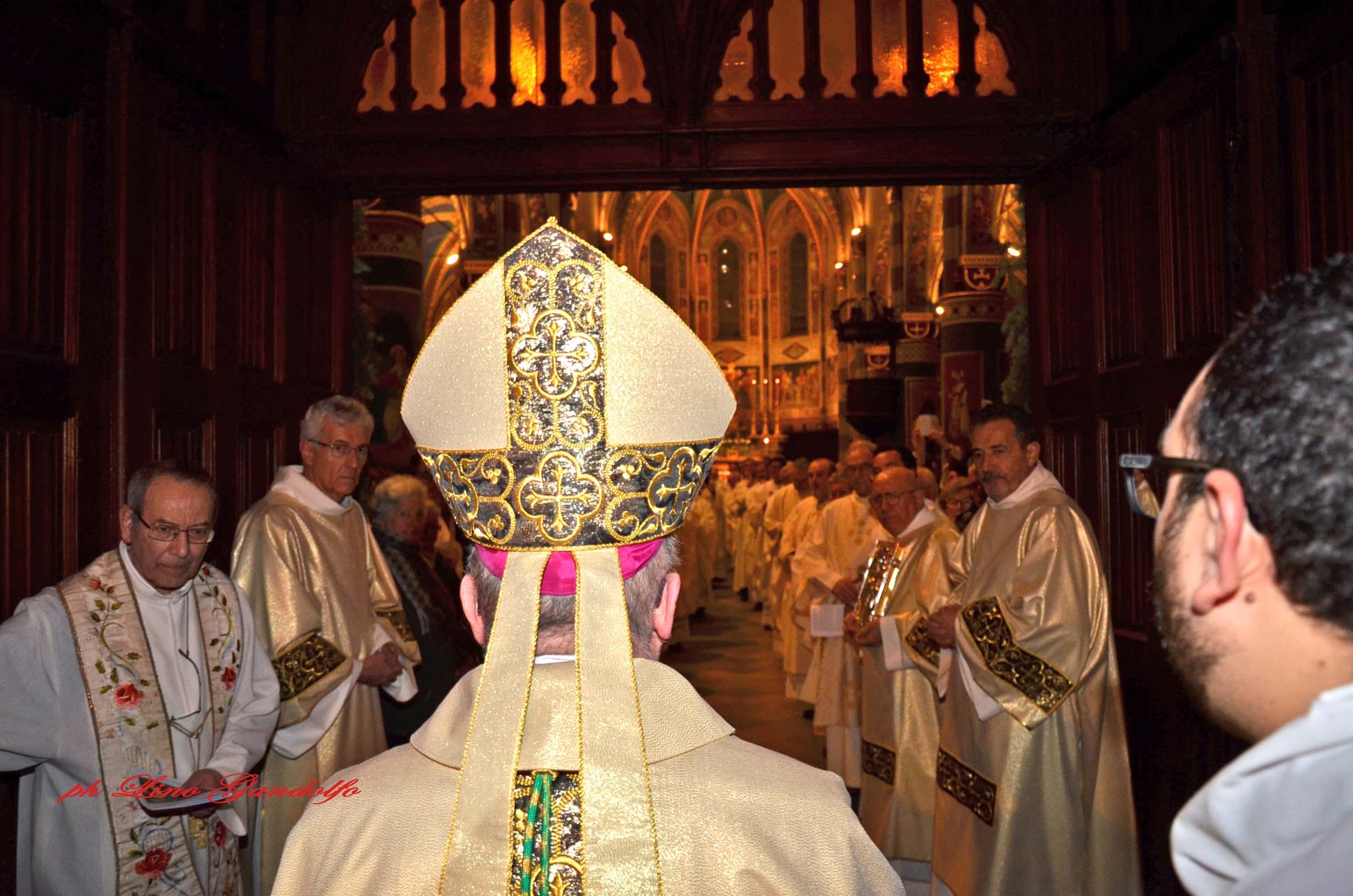 Pinerolo. Oltre 1000 all'apertura della porta santa della Cattedrale