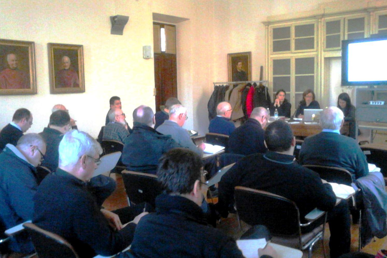 """I preti di Pinerolo a lezione di psicologia per """"perdonare l'aborto"""""""