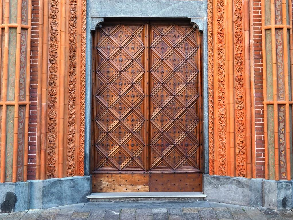 """Pinerolo. Domenica 13 dicembre il vescovo aprirà la """"Porta Santa"""" della Cattedrale"""