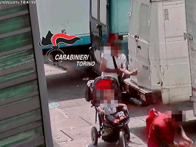 Porta Palazzo. Operazione antidroga dei carabinieri, 19 arresti