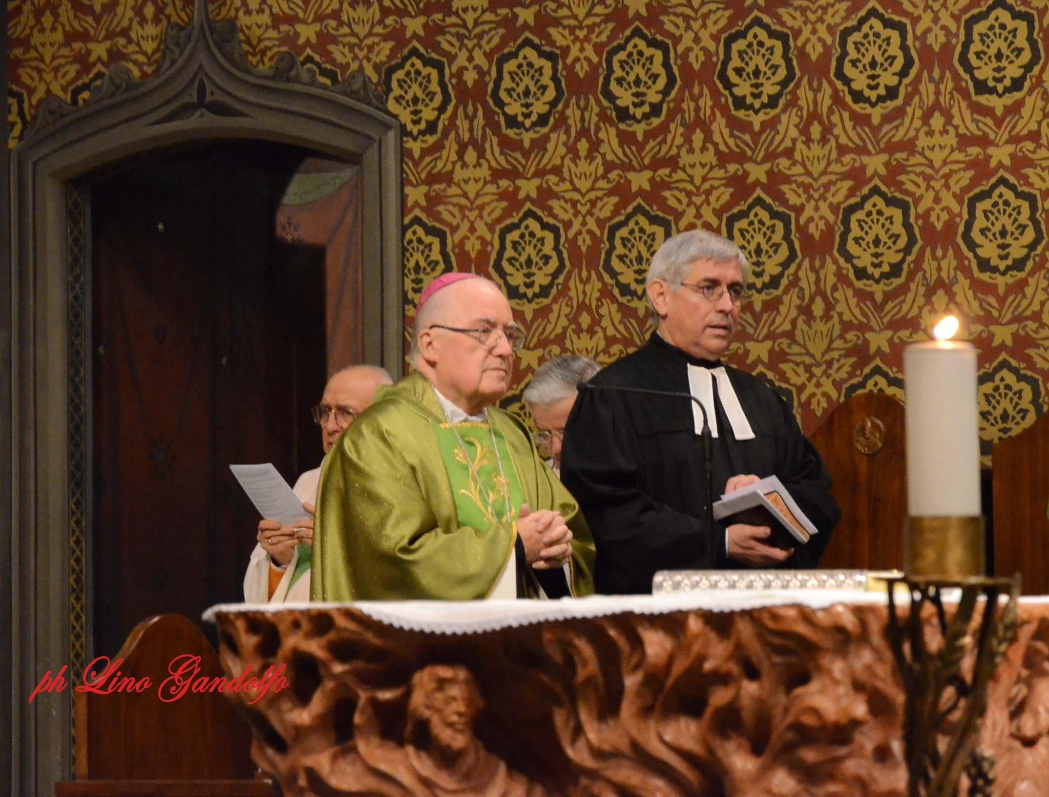 [ photogallery ] Il pastore Genre nella Cattedrale di Pinerolo ha concluso la settimana di preghiera per l'unità dei cristiani