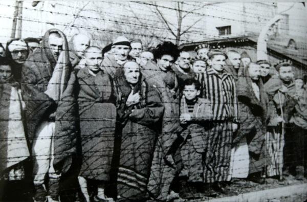 Dal 3 al 6 febbraio le sorelle Bucci raccontano Auschwitz al pinerolese
