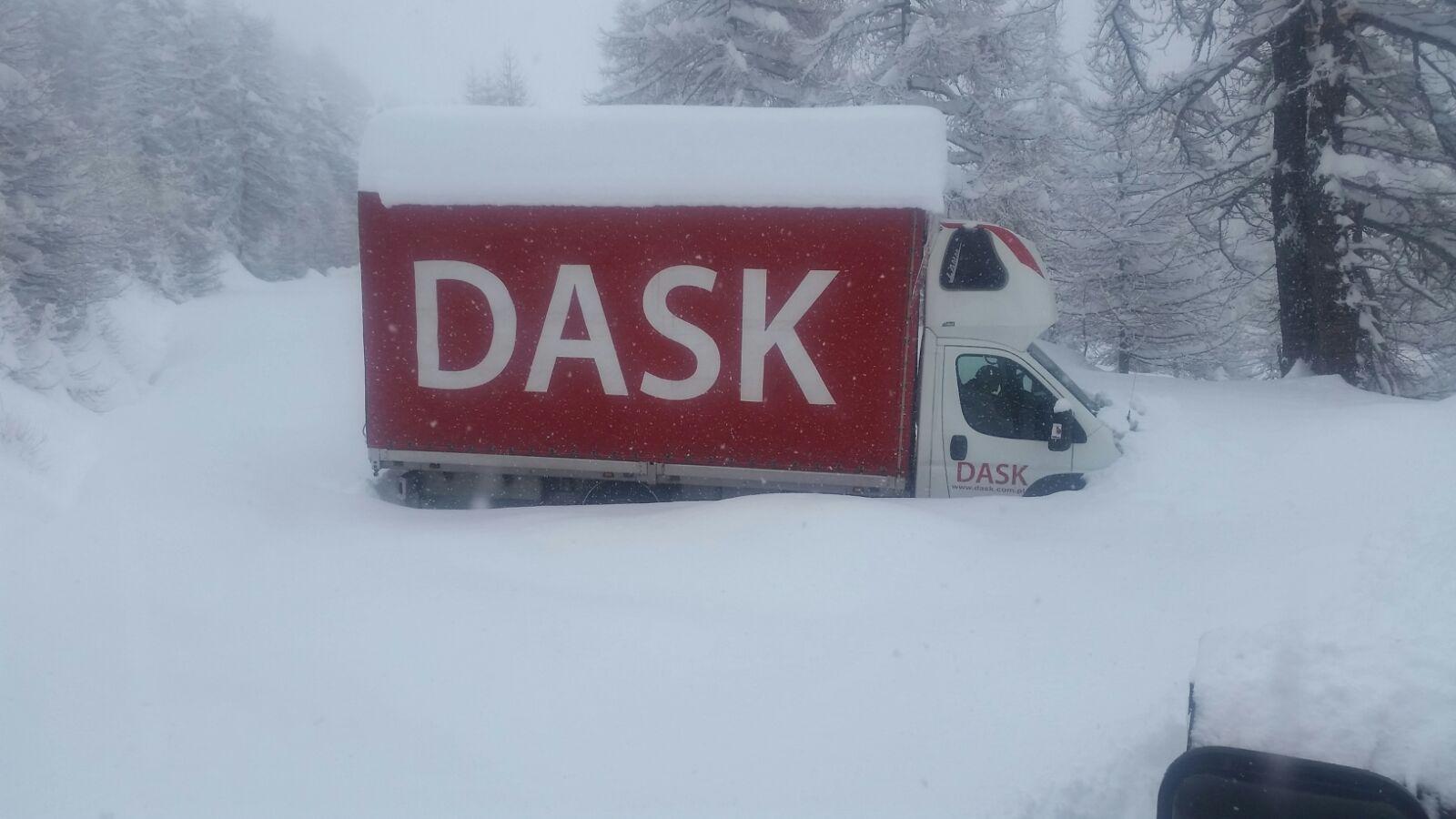 Autotrasportatore salvato dopo 3 giorni nella neve al Colle dell'Agnello