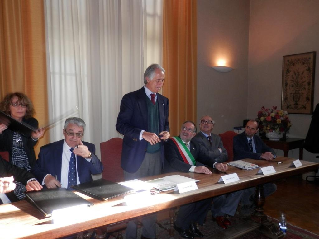 [ photogallery] Il presidente del Coni a Pinerolo per promuovere sport e territorio