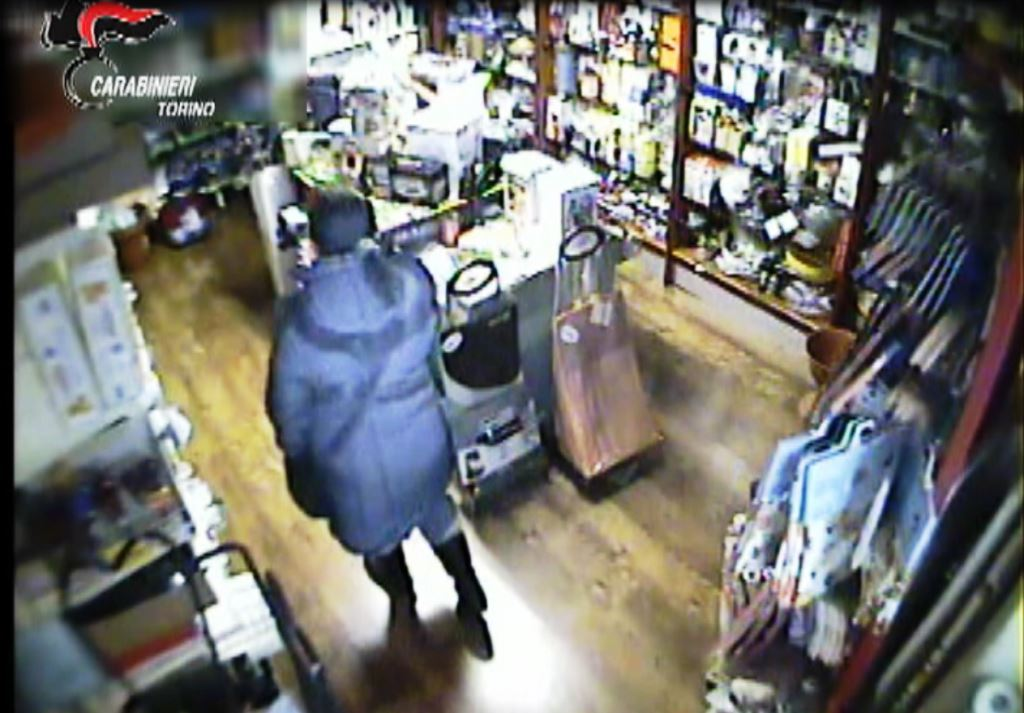 [ video] Arrestata a Luserna la ladra seriale di uomini anziani