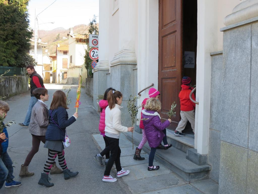 [Photogallery] I giovani, protagonisti della Domenica delle Palme a Dubbione