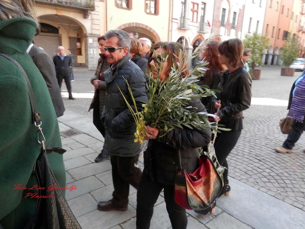 [Photogallery] In duomo la celebrazione della Domenica delle Palme