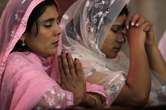Arcivescovo di Lahore alle vittime: «Continuiamo ad andare avanti portando la croce»