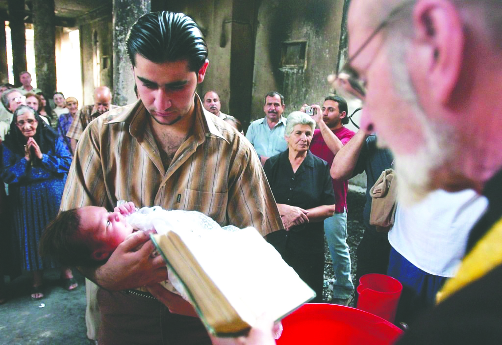 """Cristiani sotto attacco. Intervista al direttore di """"Aiuto alla chiesa che soffre"""""""