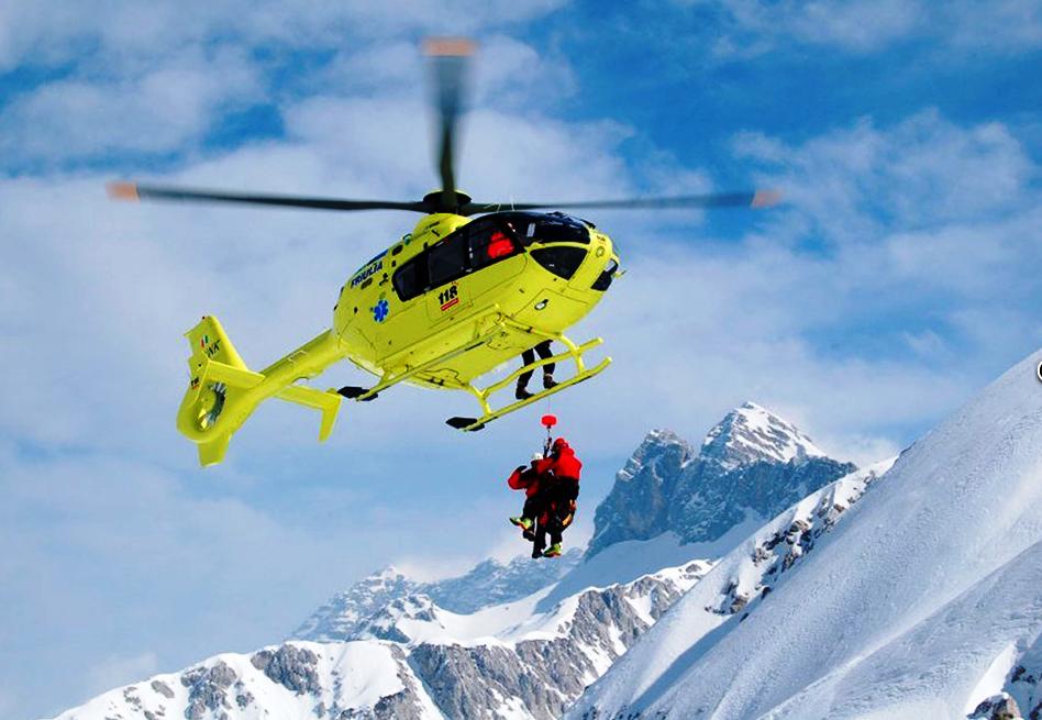 VAL TRONCEA. Tre scialpinisti precipitati in un canalone: un morto e due feriti