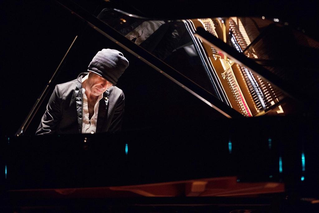 [Photogallery]Ezio Bossio in concerto al Lingotto: uno show per pensare e da gustare