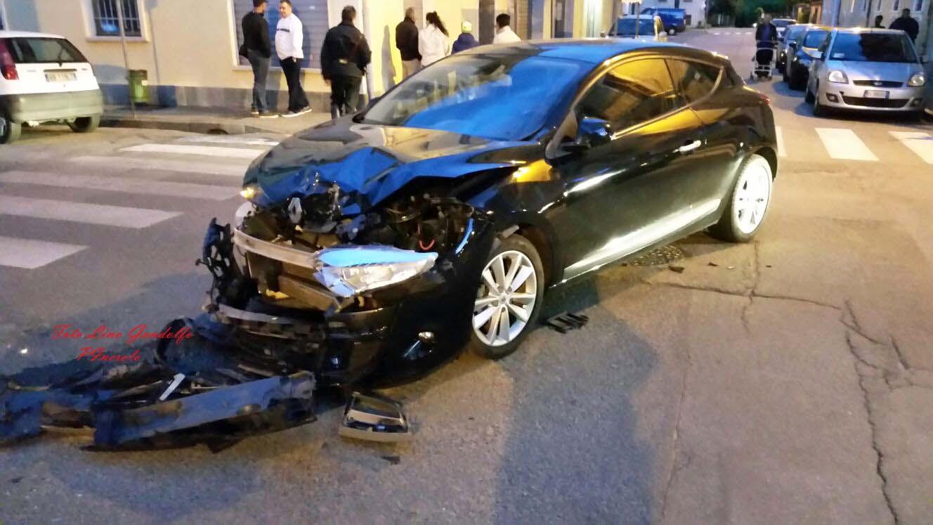 Incidente stradale a Pinerolo: 5 feriti