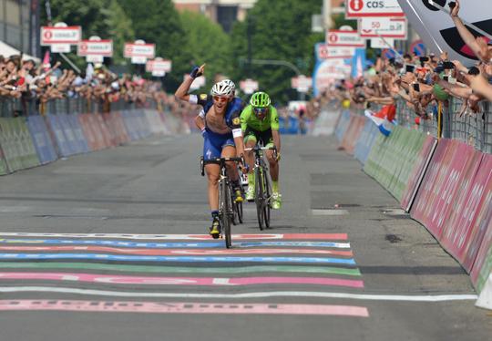 [ photogallery ] Giro d'Italia: a Pinerolo vince Matteo Trentin!