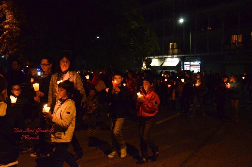 [Photogallery]La parrocchia Madonna di Fatima celebra con una processione la Comunità