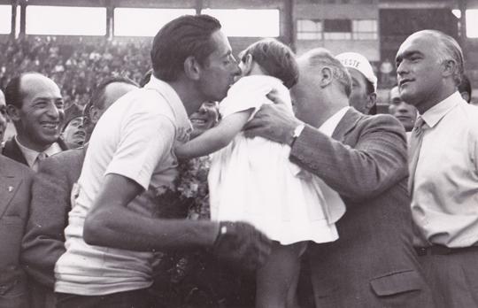 Pinerolo e il Giro d'Italia: un ricordo inedito di Fausto Coppi nel 1949