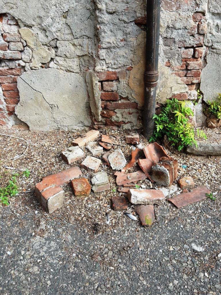 Palazzo Vittone… perde i pezzi!