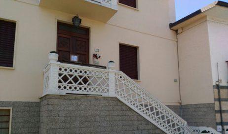 Scoperte tre case di riposo abusive in Val Susa, quattro falsi infermieri indagati