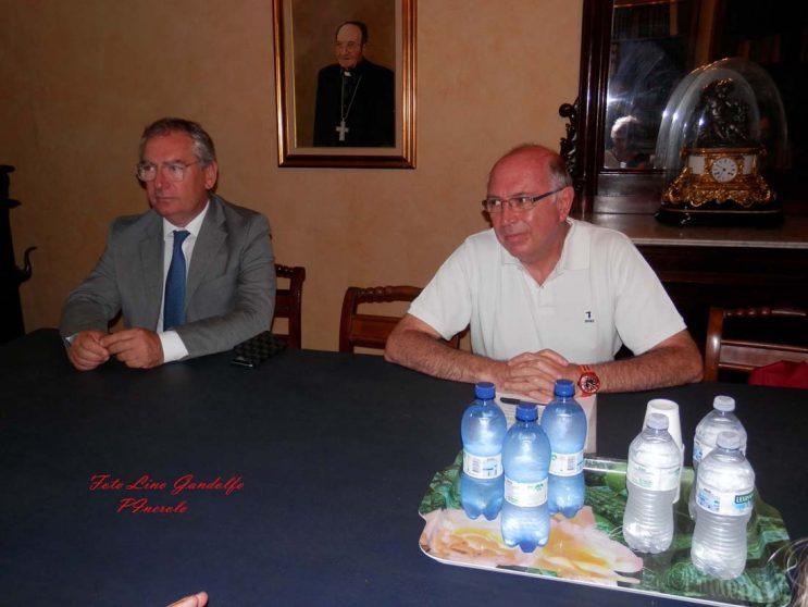 Alla Casa dell'Anziano di Pinerolo arriva il servizio di guardia medica.  Firmato l'accordo tra il Vescovo e il direttore generale dell'ASLTo3