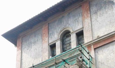 Pinerolo. Chiesa di Sant'Agostino: al via il restauro dello stemma di Pinerolo