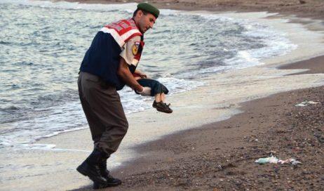 Migrantes: dal ricordo di Aylan l'impegno per la tutela dei minori immigrati