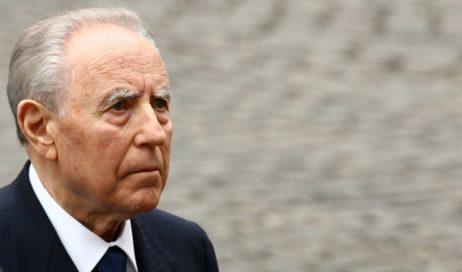 Addio al presidente Ciampi. Nel 1999 fu a Pinerolo per i 150 anni della Cavalleria