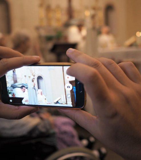 [ photogallery ] In tanti a Pinerolo per la Madonna Pellegrina