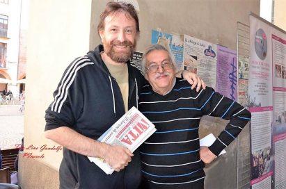 Da sinistra: il direttore di Vita Diocesana Patrizio Righero con il direttore de Il Monviso, Silvio Mondino