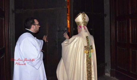 [ Photogallery ] Pinerolo. Il vescovo ha chiuso la porta santa del Giubileo